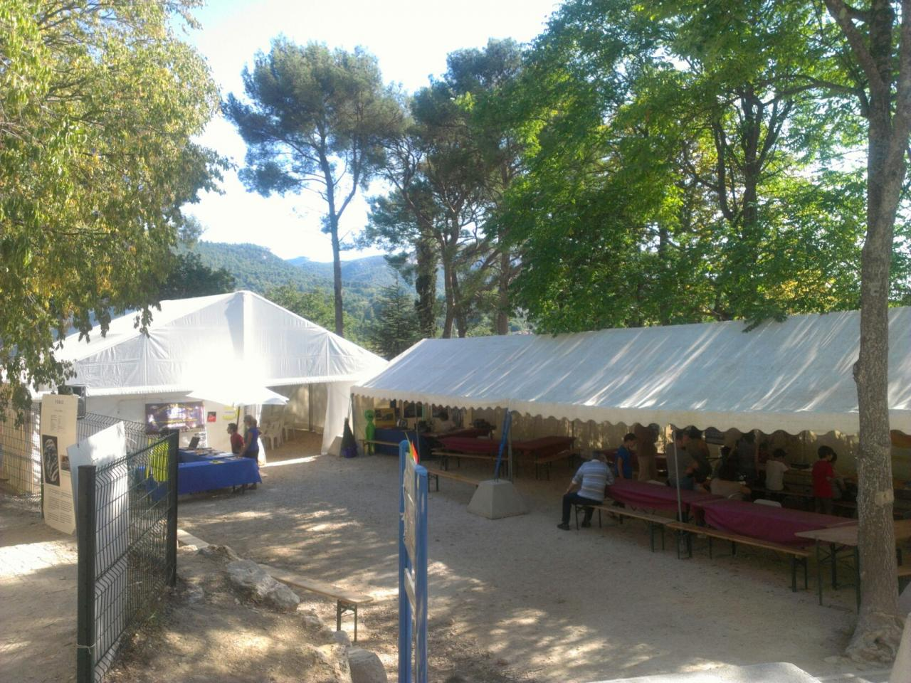 Vue d'ensemble des stands (photo ODH TV)