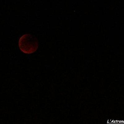 L'éclipse juste avant la fin de la totalité.