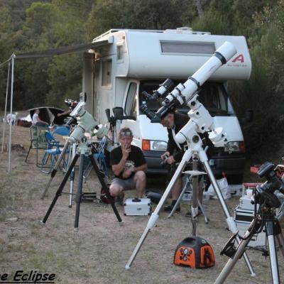 Une lunette, des montures, des astronomes...