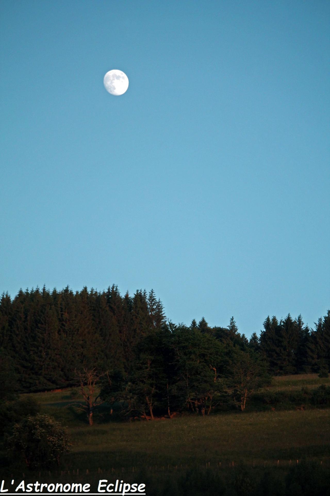Lune auvergnate...