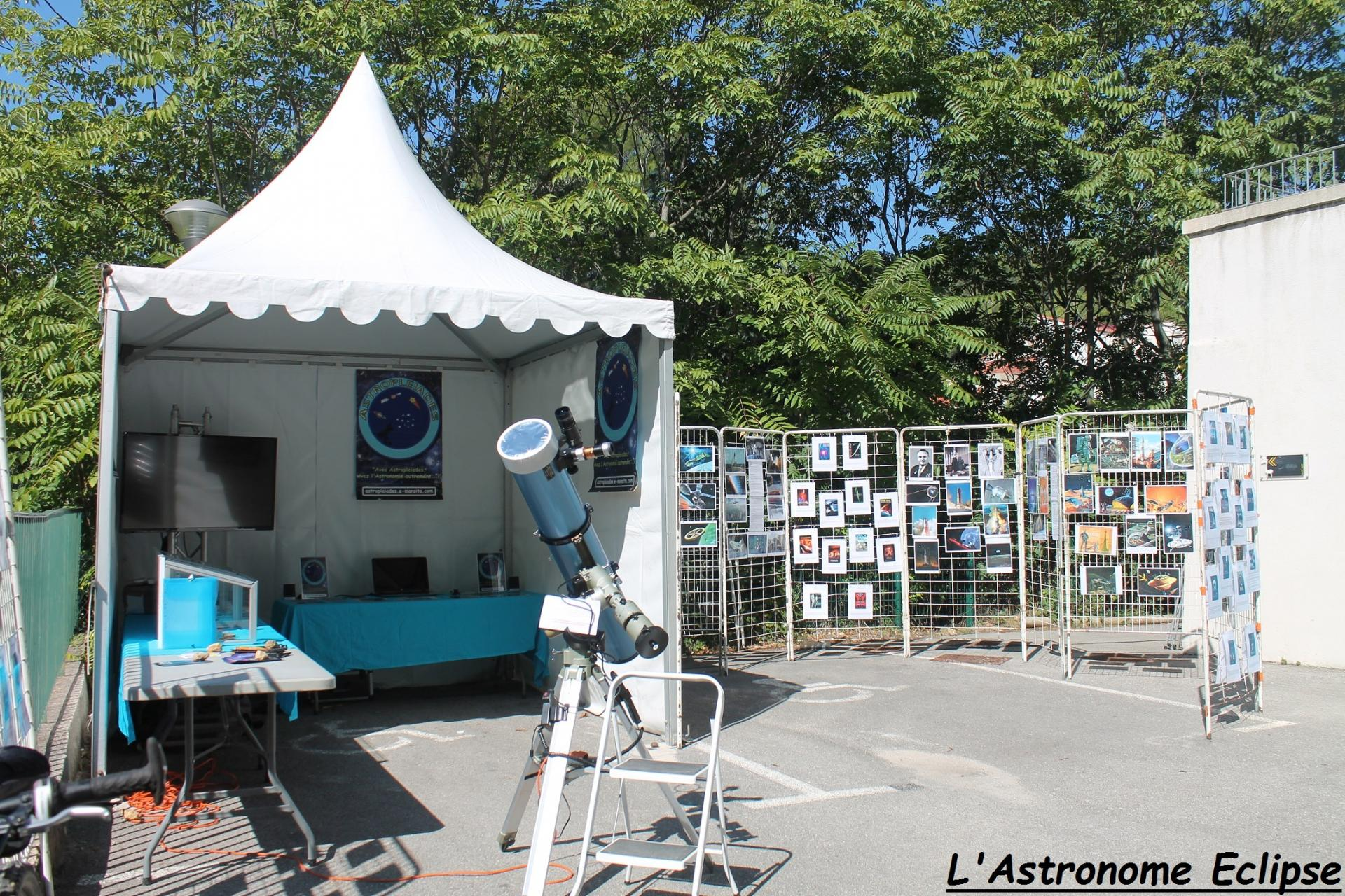 Le stand Astropleiades et son exposition (2)