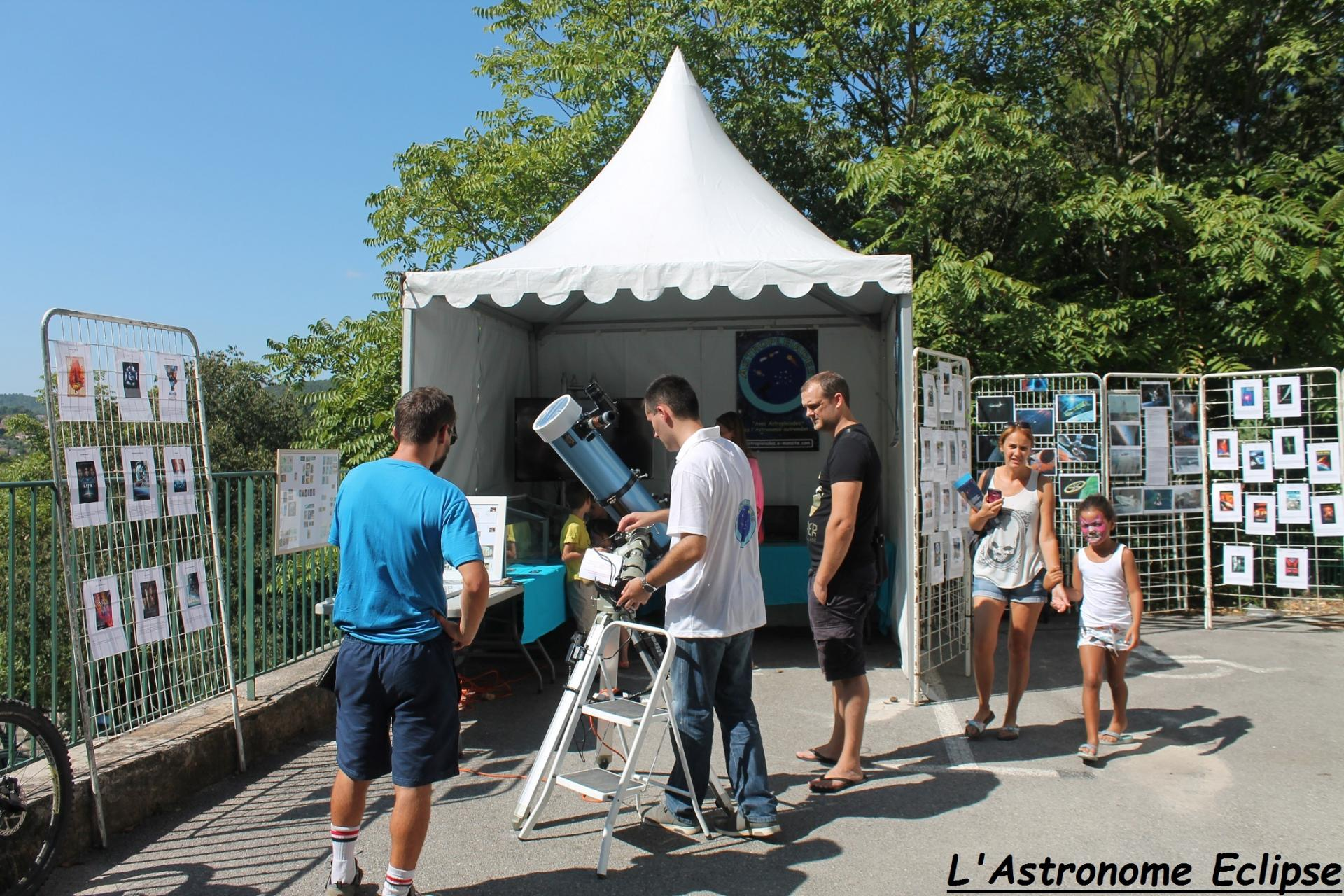 Le stand Astropleiades et son exposition