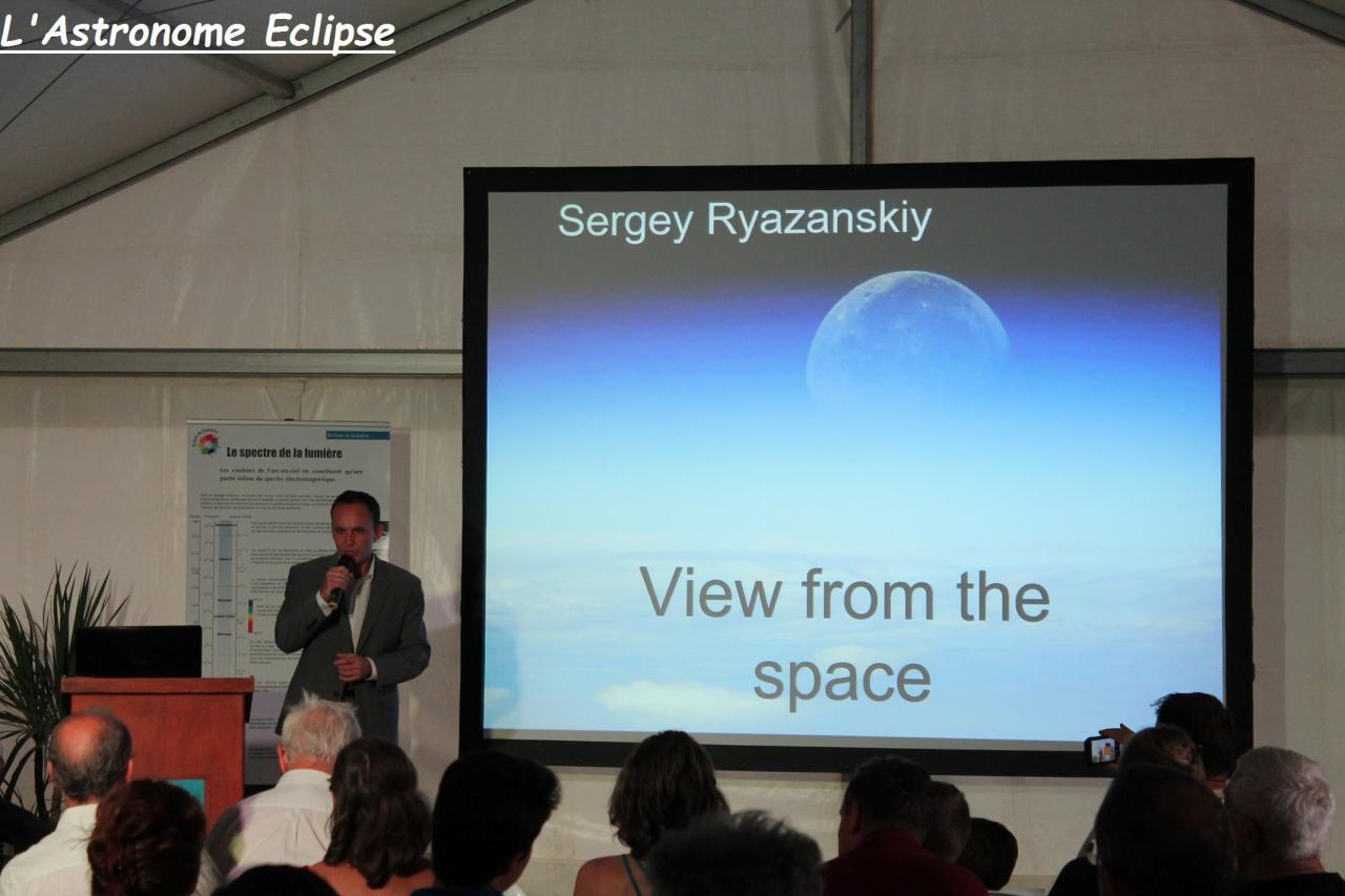 Sergey Ryazanskiy en pleine conférence