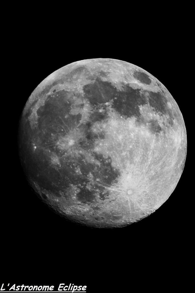Lune presque pleine (11 Juin 2014)