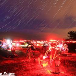Les astrams s'agitent sous les étoiles!
